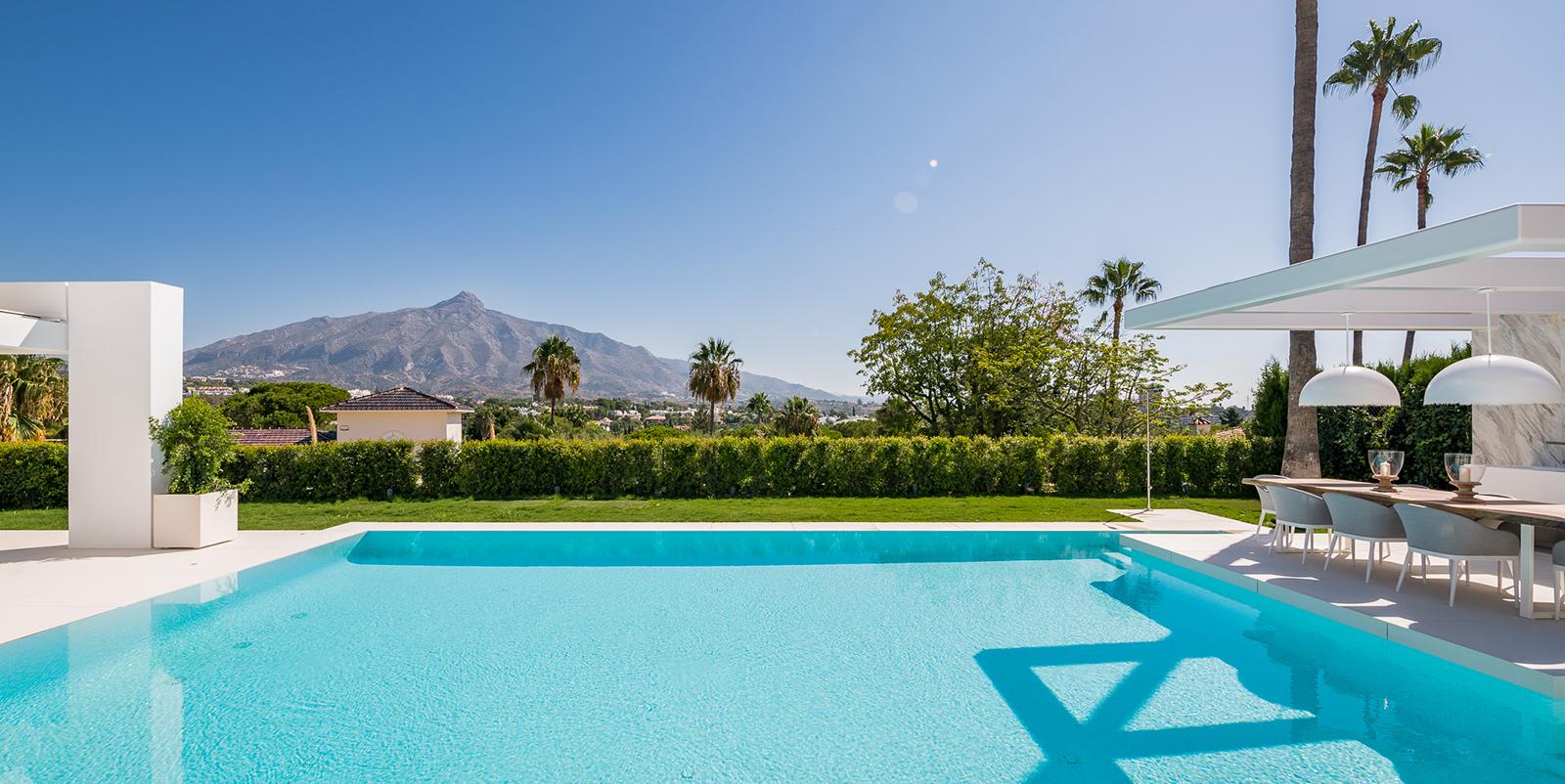 Villa moderna con impresionantes vistas de La Concha y el Valle del Golf