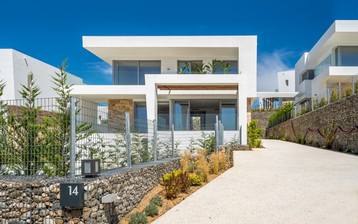 Villa con vistas panorámicas al mar en Marbella Este