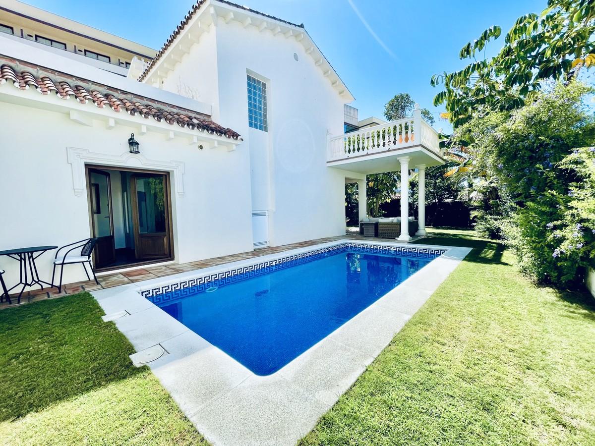 Renovated Villa 100 m from the Beach in La Cala