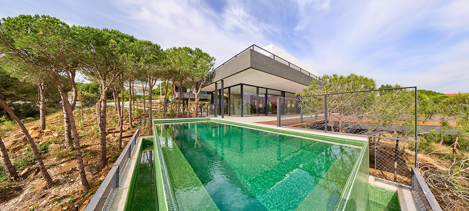 Villa contemporánea con vistas panorámicas en Sotogrande