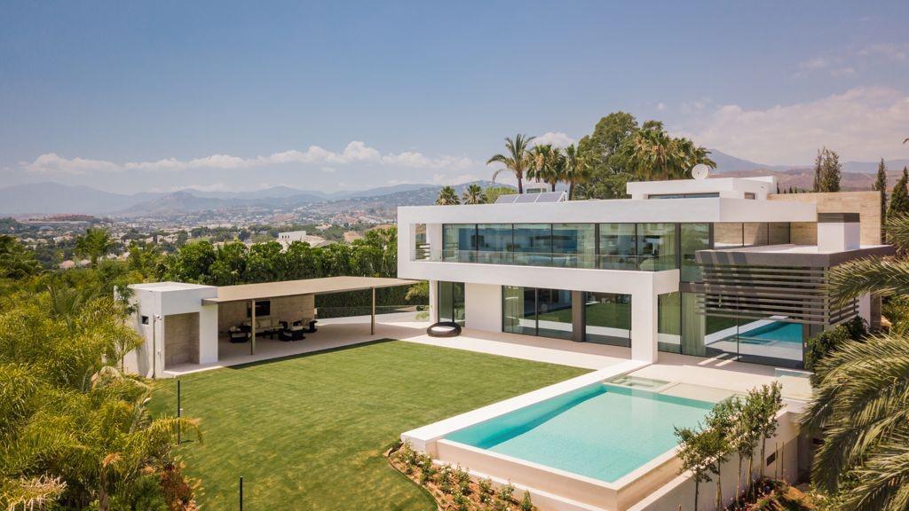 Modern villa in Lomas del Marbella Club