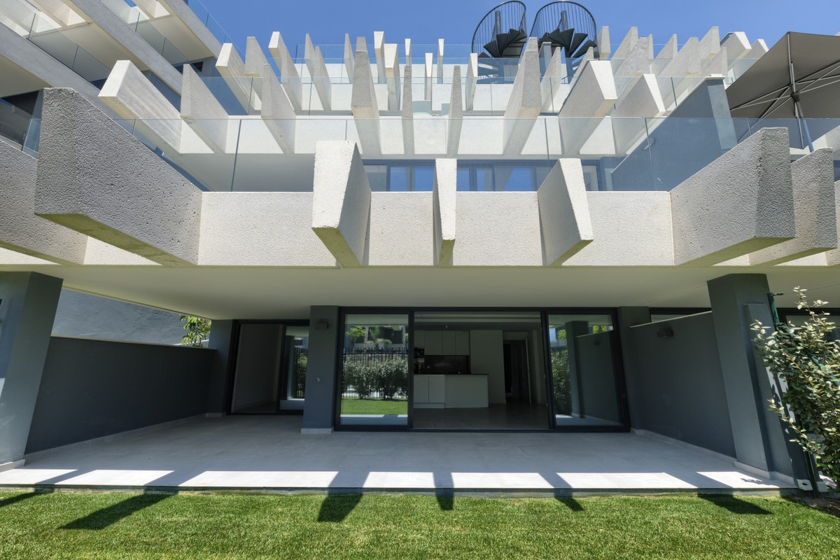 Apartamento nuevo de 2 dormitorios en La Resina Golf