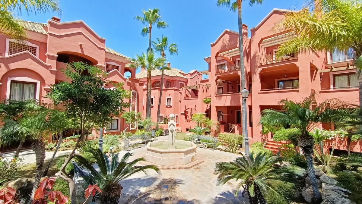 1 Bedroom Apartment in luxury complex next to Puerto Banús