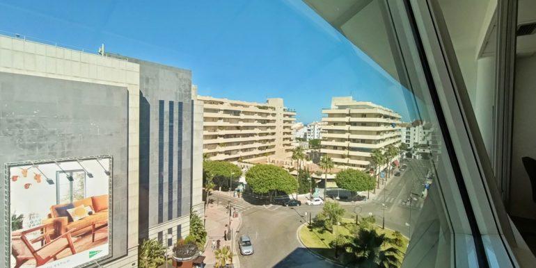 office-puerto-banus-norwegian-estates-1
