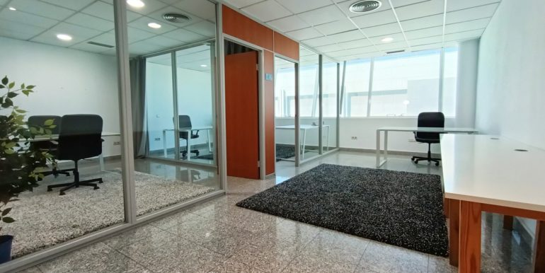 office-puerto-banus-norwegian-estates-11
