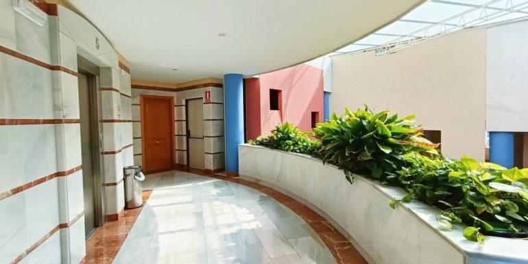 office-puerto-banus-norwegian-estates-13