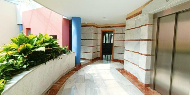 office-puerto-banus-norwegian-estates-14