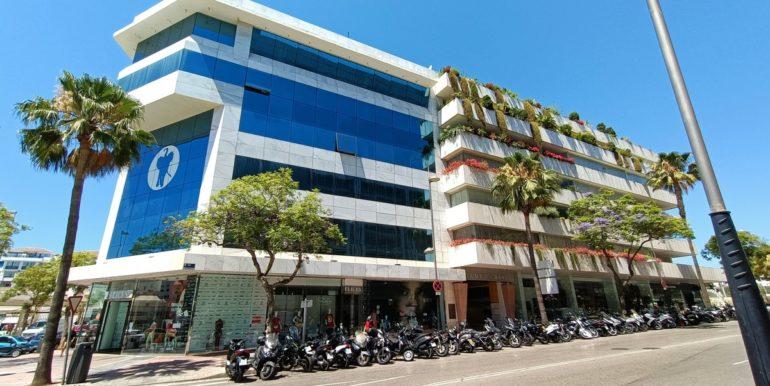office-puerto-banus-norwegian-estates-6