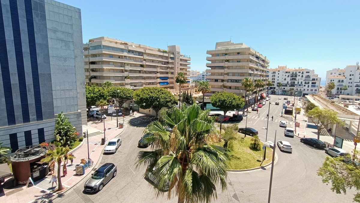 Commercial Office in prime location in Puerto Banús