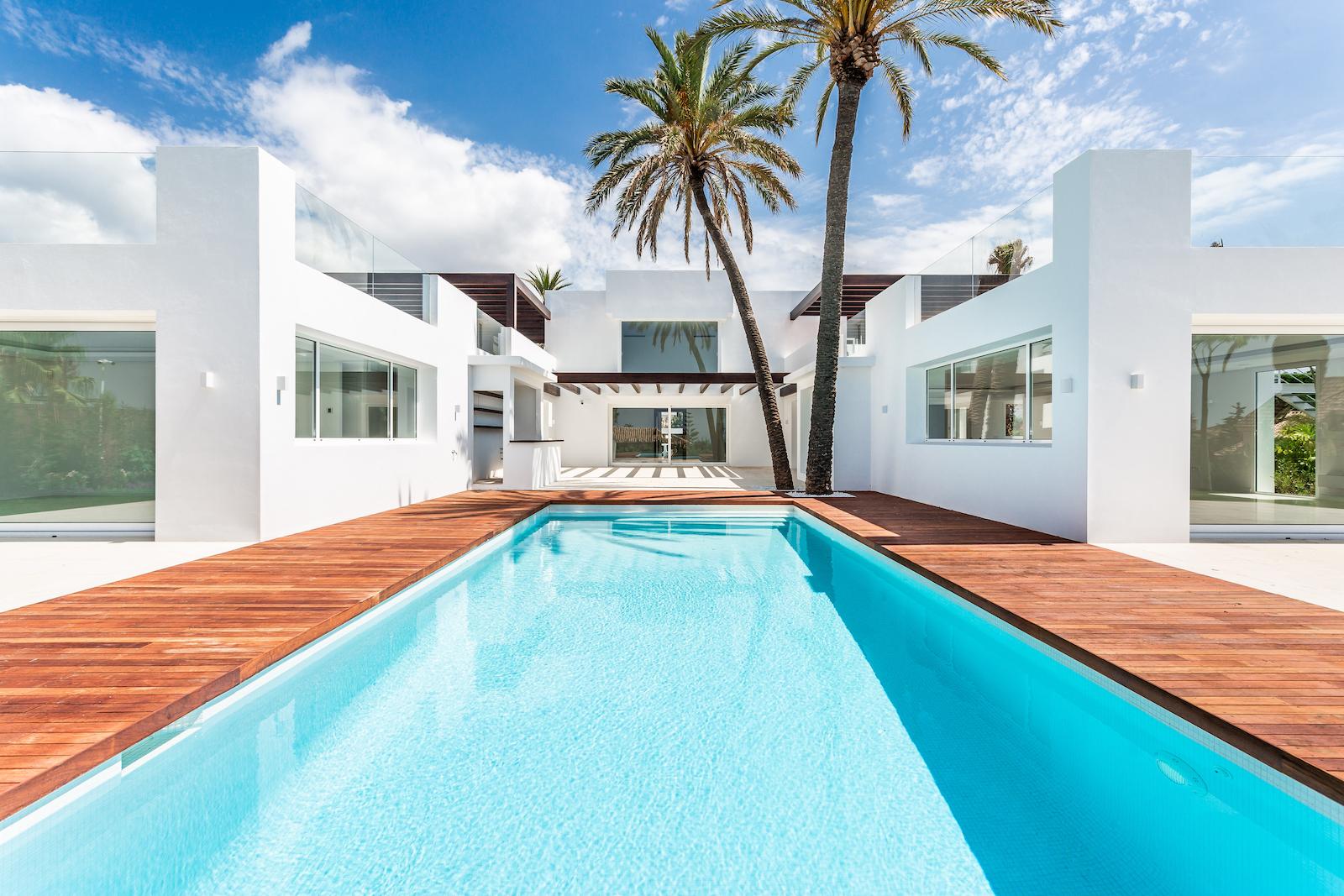 New modern villa in El Rosario Playa