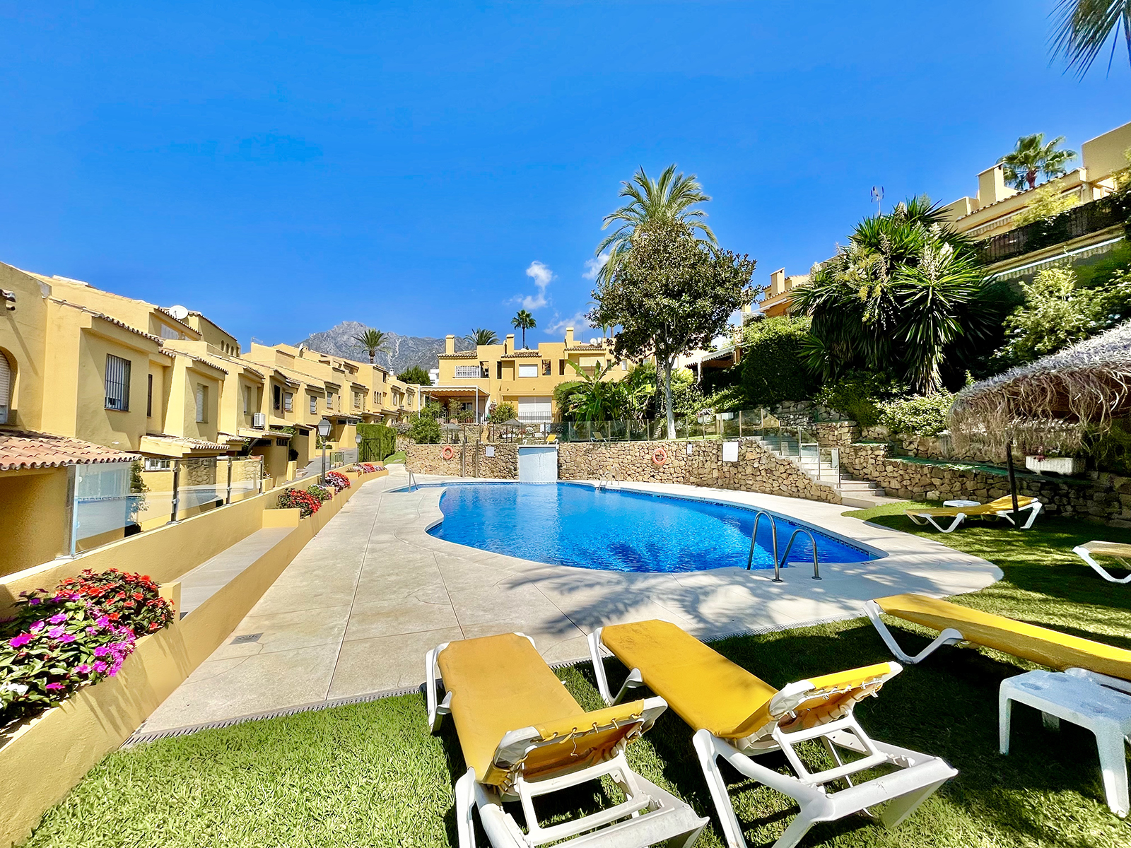 Luxury townhouse in exclusive Marbella area